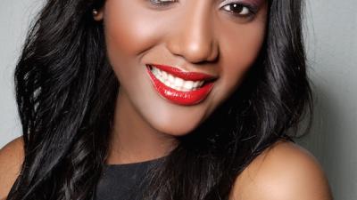 KELLY KAMEN : L'aventure MIA Kosmetics