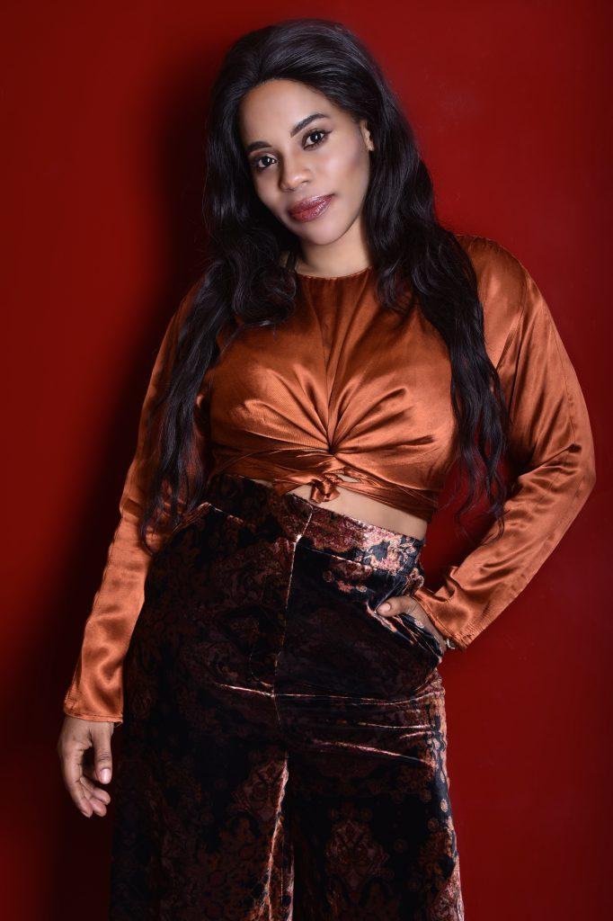 CHALYA BOTEIGA : Créatrice de robes de prestige