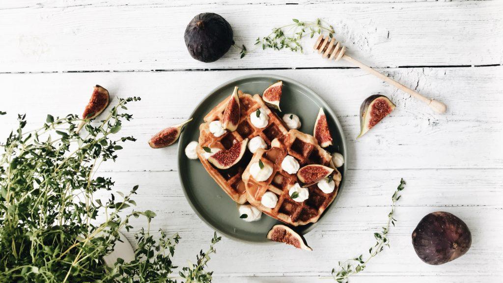 Gauffre au poivre blanc de penja mousse de chévre et figues