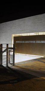 Quai de la Fosse avec l'emplacement du Mémorial contre l'esclavagisme.