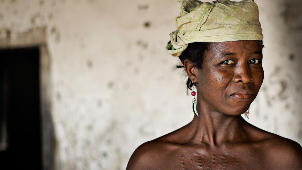 SCARIFICATIONS, un rituel qui se perd en Afrique