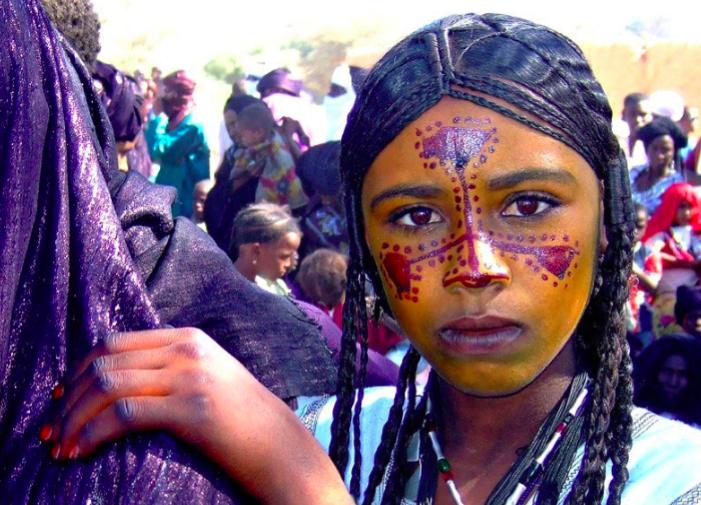 TOUAREGS : Le maquillage des fêtes