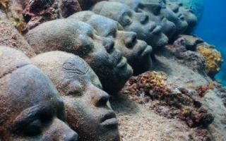 Sculpture sous-marines : EN HOMMAGE AUX ESCLAVES