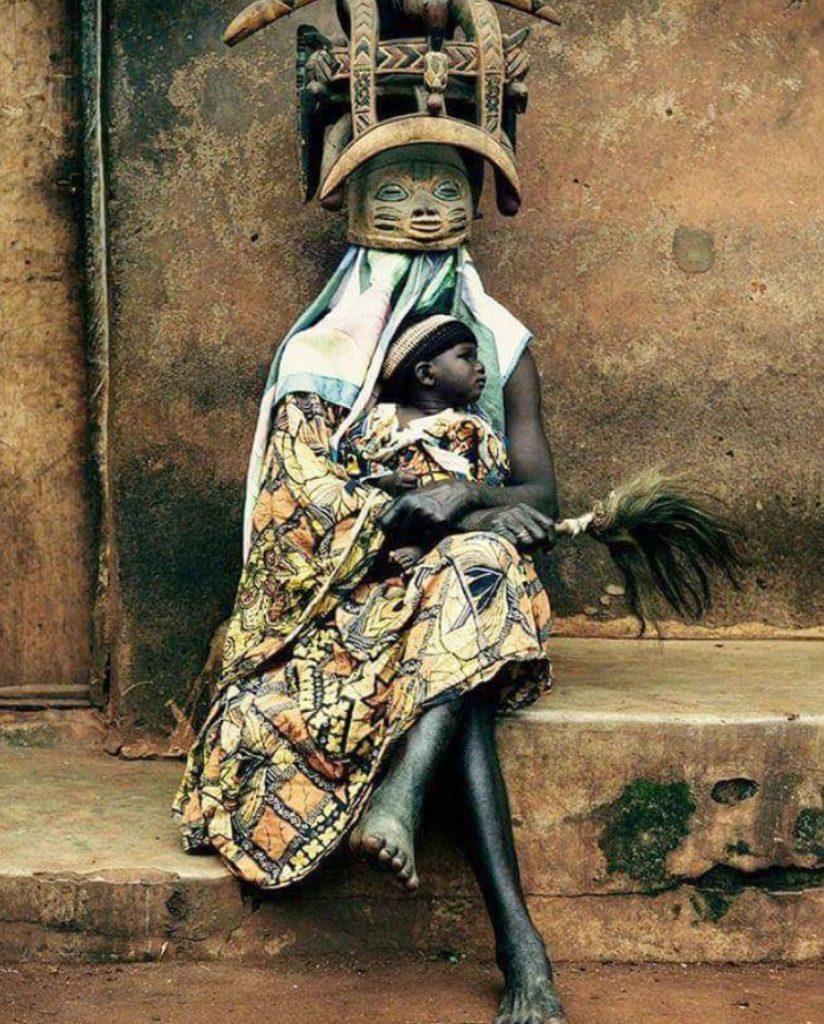LE GÈLÈDÈ : La cérémonie Yoruba en hommage aux femmes