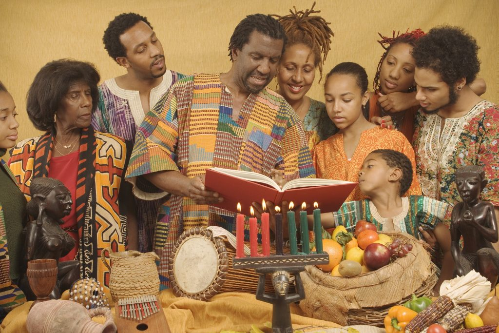 KWANZAA : «Back to the roots»