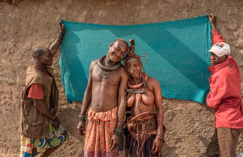 Les Himbas, à la frontière de la Namibie et de l'Angola